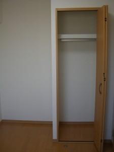 尾久橋スカイハイツ 洋室(約4.5帖)クローゼット