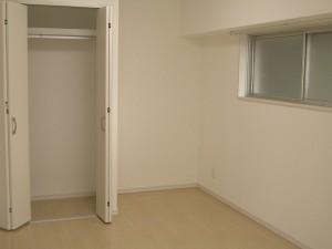 東品川ガーデニアB棟 ベッドルーム(約7.9帖)クローゼット