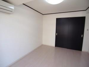 ライオンズマンション西新宿 洋室(約6帖)