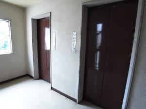 サードリハイツ本館 エレベーター