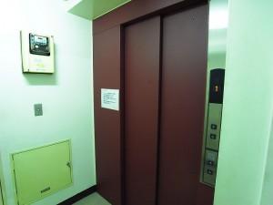 ヴァンヴェール世田谷 エレベーター