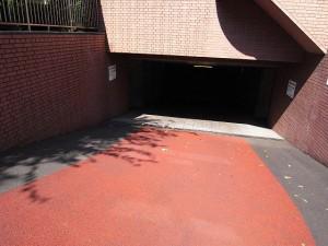 サーパス南烏山 駐車場
