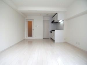 ハイマート渋谷神泉洋室(約14帖)